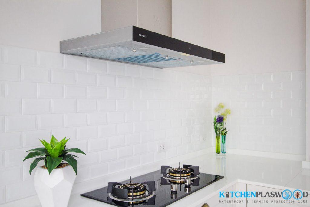 Vintage White Kitchen ครัวบิ้วอินสีขาว ในสไตล์วินเทจ, เครื่องใช้ไฟฟ้า Hafele ชุดครัวบิ้วอิน,