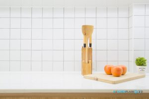 Modern Kitchen ชุดครัวโมเดิร์นในสไตล์ Minimal, แผงกันคราบกระเบื้องสไตล์วินเทจ