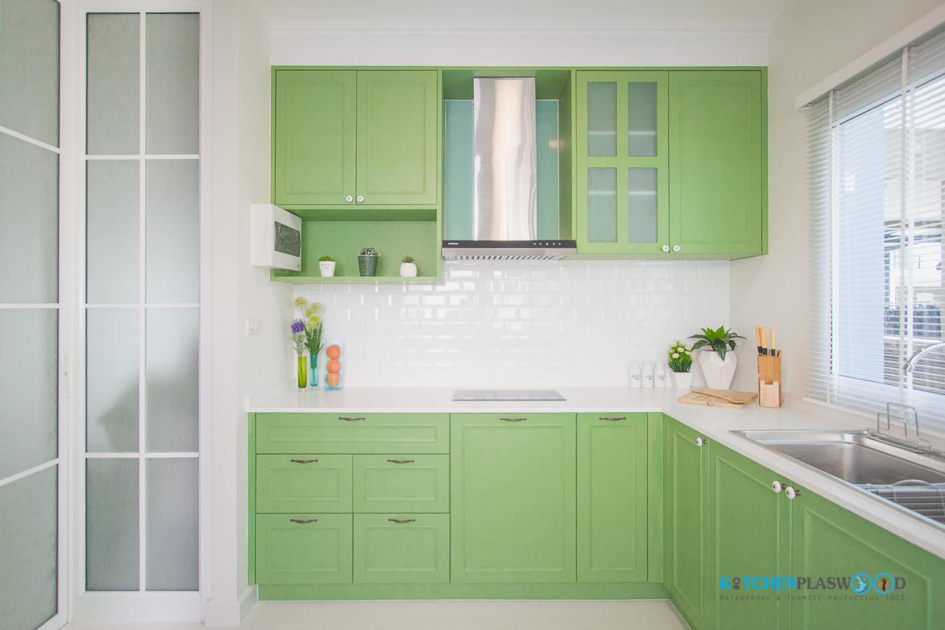 ชุดครัวบิ้วอินสไตล์วินเทจ โทนสีเขียวเอิร์ธโทน (L-Shape)
