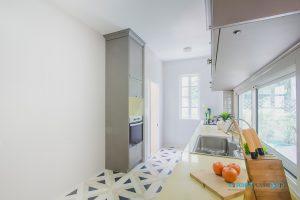 Kitchen Classic Design ชุดครัวบิ้วอินสไตล์คลาสสิก, ตู้สูงสไตล์คลาสสิก