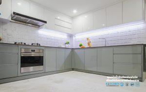 ชุดครัวโทนขาว เทา, Premium Hi-Gross Kitchen : ชุดครัวไฮกรอส เงาวับ สไตล์โมเดิร์น