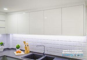 ตู้ลอยสีขาวเงาไฮกรอส, Premium Hi-Gross Kitchen : ชุดครัวไฮกรอส เงาวับ สไตล์โมเดิร์น