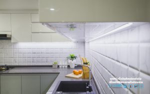 ไฟ LED ใต้ตู้ลอย, Premium Hi-Gross Kitchen : ชุดครัวไฮกรอส เงาวับ สไตล์โมเดิร์น