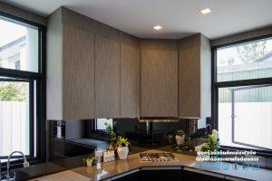ชุดครัวหรู Style Modern Luxury, ตู้ลอยลามิเนตลายไม้