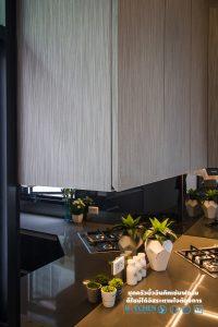 ชุดครัวหรู Style Modern Luxury, มือจับแบบ เพ่ เต็มบาน