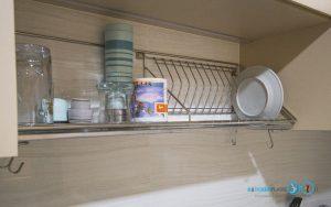 ชุดครัวสีครีม หน้าบานกระจกเงาสีชาทองสไตล์โมเดิร์น, ชุดตะแกรงพักจานใต้ตู้ลอย