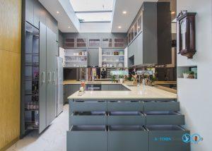ชุดครัวบิ้วอินสุดเรียบหรู C Shape Luxury, ภายชุดครัว