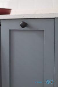 Mini Kitchen : ชุดครัวทูโทนในพื้นที่จำกัด, หน้าบานยกขอบ DC-01,