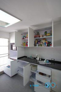 Modern White Hi Gross  ชุดครัวสไตล์โมเดิร์นสีขาวเงา, ภายในตู้ครัว,