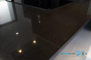 Modern Black Kitchen ชุดครัวดำสุดเท่ ในสไตล์โมเดิร์น, หินควอทซ์ Jet Black,
