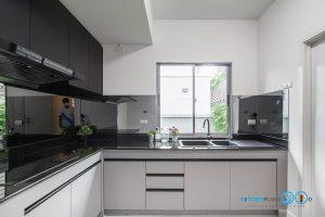 ชุดครัวดีไซน์โมเดิร์น L Shape Gray Tone Kitchen, ผนังกันคราบกระจก,