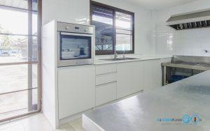 Built In Modern Kitchen ชุดครัวสีเทาในสไตล์โมเดิร์นเรียบเท่, I Shape Kitchen,
