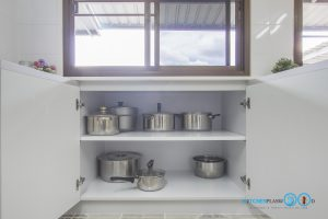Built In Modern Kitchen ชุดครัวสีเทาในสไตล์โมเดิร์นเรียบเท่, สีภายใน, ลามิเนตสีขาว,