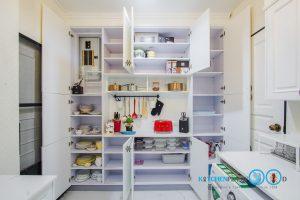 English Classic Kitchen, ภายในตู้ Pantry,