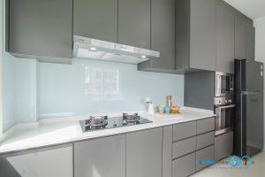 Gray Modern Kitchen, ผนังกันคราบ,