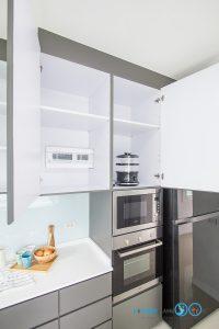 Gray Modern Kitchen, ภายในตู้ครัว,