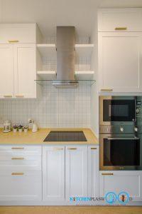 ชุดครัวบิ้วอินสไตล์วินเทจหรู Clean Vintage Luxury Kitchen, ตู้สูงพลาสวูด,