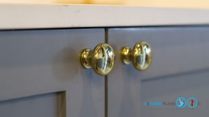 Classic Kitchen 2 Side I Shape เรียบหรูแบบมีสไตล์, มือจับ, มือจับแบบโชว์, มือจับแบบปุ่มสีทอง,