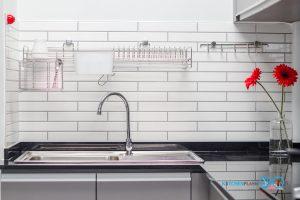 ชุดครัวหลังบ้านสไตล์โมเดิร์น โทนสีเทสด้าน, โซนชำระล้าง,
