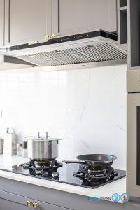Matt Gray Kitchen, ชุดครัวโครงปูน, บิ้วอินชุดครัว, ชุดครัวตัวแอล, ชุดครัวสไตล์คลาสสิก, ครัวสีเทาด้าน, ผนังกันคราบ,