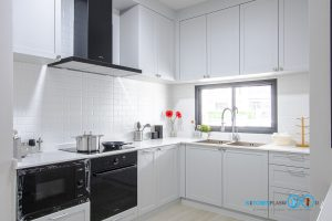 Built-In Kitchen Plaswood, สวย ทน รองรับทุกการใช้งาน, ชุดครัวบิ้วอิน, ชุดครัวคลาสสิก, ชุดครัวโทนสีเทา, ชุดครัวตัวแอล, ออกแบบตกแต่งชุดครัว,