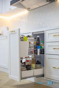 Classic Kitchen L-Shape ชุดครัวขาวใส สไตล์คลาสสิก, ครัวบิ้วอิน, ครัวโทนขาว, ชุดครัวขาวล้วน, ครัวตัวแอล, ชุดครัวสไตล์คลาสสิก, ครัวหรู, ชุดครัวกันน้ำกันปลวก100%, ชุดตะแกรงอเนกประสงค์,